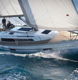 Bavaria 37 Cruiser | Dory