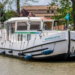 Pénichette 1400   Locaboat 98
