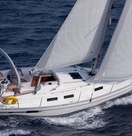 Bavaria Cruiser 32 | Mola 10