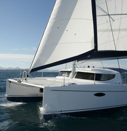 Fountaine Pajot Lavezzi 40 | April