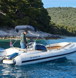 RIS Marine Exclusive 650 | Roby 1
