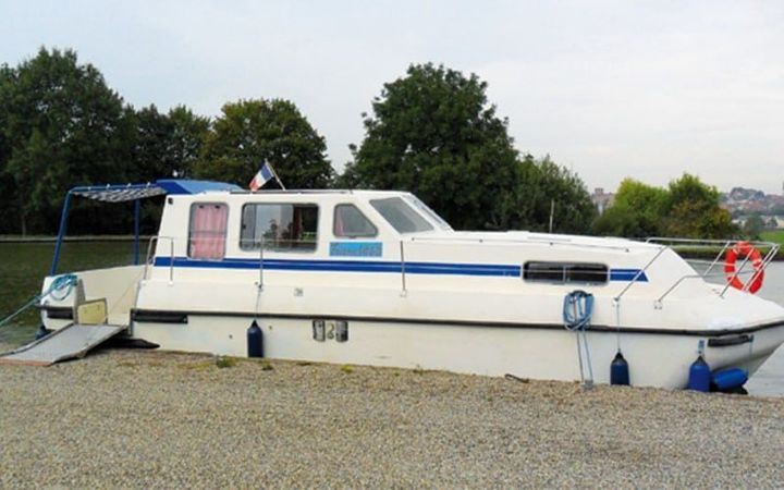 Triton 1060 Handy | Les Canalous 93