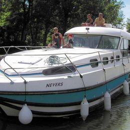 Nicols Sedan 1310 | Les Canalous 99