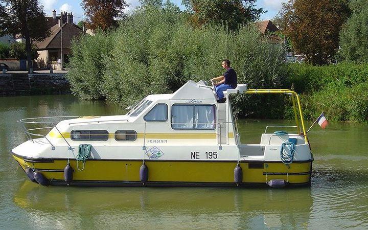 Triton 860 Fly | Les Canalous 93