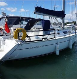 Jeanneau Sun Odyssey 37 | Blue Otter