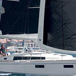Beneteau Oceanis 38.1 | The Boss