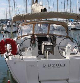 Dufour 405   Muzuri
