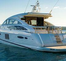 Motorová jachta